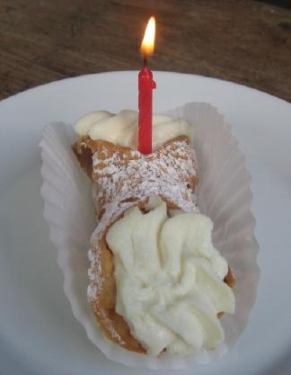 BirthdayCannoli