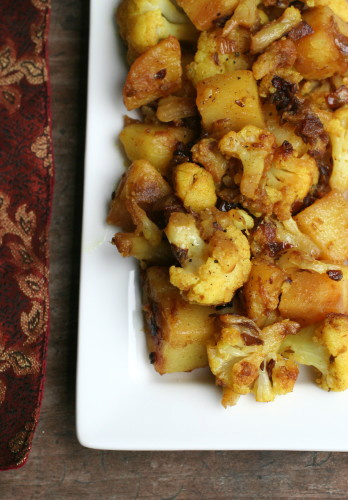 Indian cauliflower and potatoes food on the food forumfinder Images