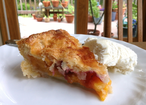 Peach Blackberry Pie_2022