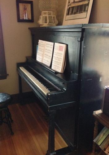 Schomacker Piano
