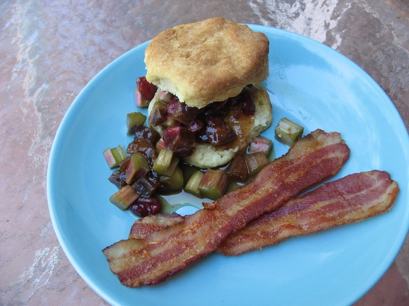 Biscuitsnbacon